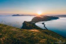 Крым, пейзаж гор и моря у поселка Орджоникидзе
