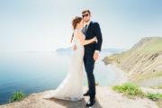 Свадебная фотосессия и видео съемка на берегу моря, на фоне пляжа и горы Кара-Даг